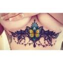 Tatouage underboobs papillon