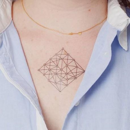 tatouage-temporaire-carré-géométrique