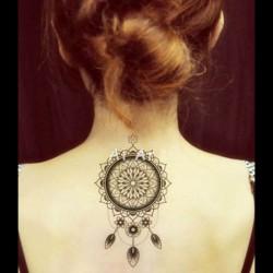 tatouage-ephemere-attrape-rêves-dentelle