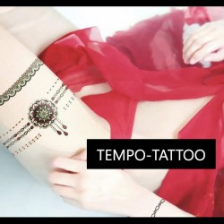 Tatouage-ephemere-dentelle-bracelet-phosphorescent