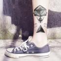 Tatouage temporaire triangle graphique