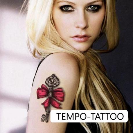 Tatouage-temporaire-petit-noeud-rouge-et-clé