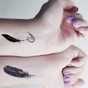 tatouage temporaire plumes et lettrage